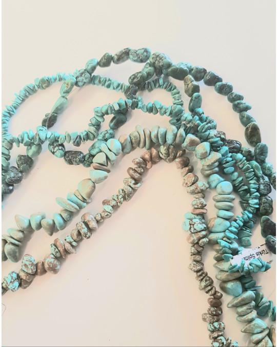 Türkis-Splitter-Perlen (Stränge aufgefädelt)