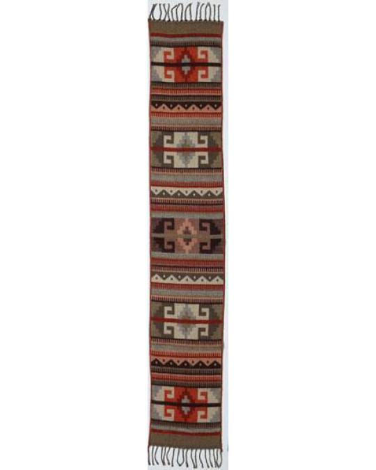 Feiner, kleinerer Schal im Südwestmuster und Farben