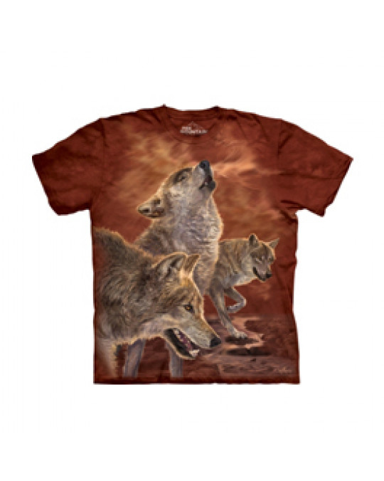 """""""Red Glow Wolves"""" T-Shirt von The Moutain"""